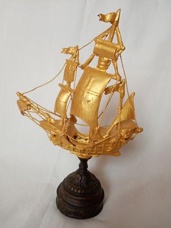 Статуетка пам'ятна корабель.