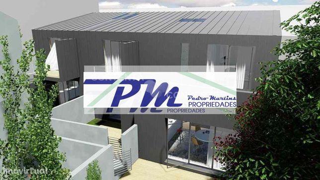 Visite Moradia constituição T3 duplex com 2 terraços garagem