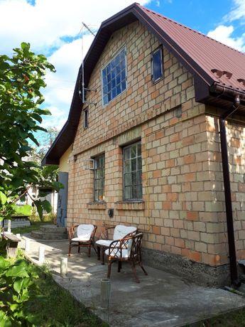 Продаётся дача, кирпичный дом