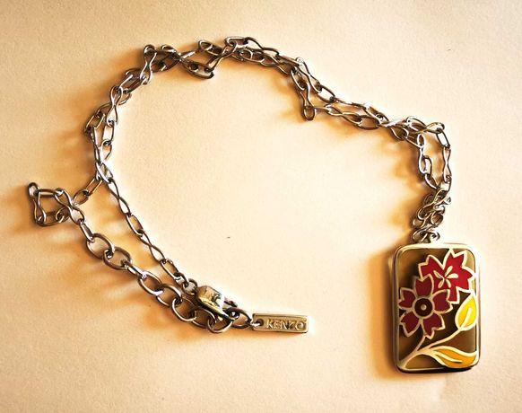 Colar de prata Kenzo com medalha floral
