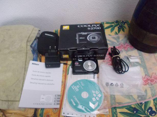 Maquina fotografica Nikon Coolplix S2700 nova