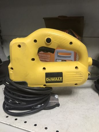 Электролобзик DeWALT DW341