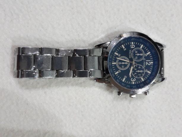 Zegarek czarna tarcza, srebrna bransoleta, zegarek na co dzień