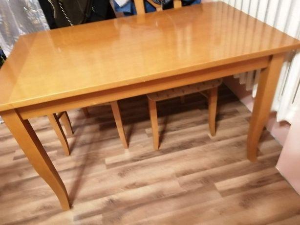 Stół plus 4 krzesla