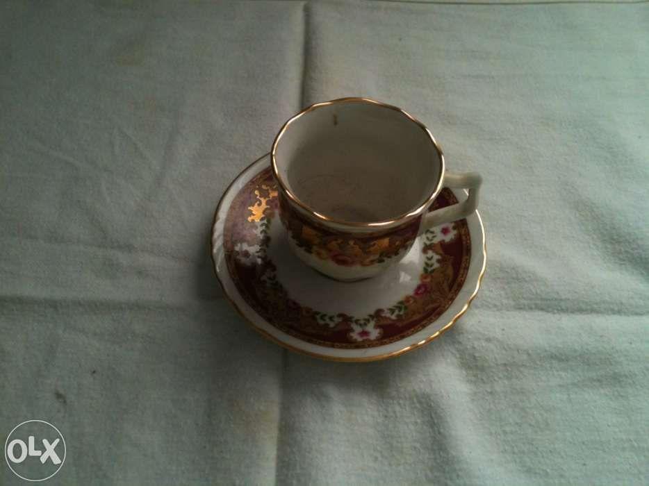 Antiguidade - Porcelana - chavena de café - Limoges