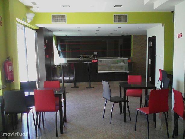 Café pronto a funcionar em Alfena