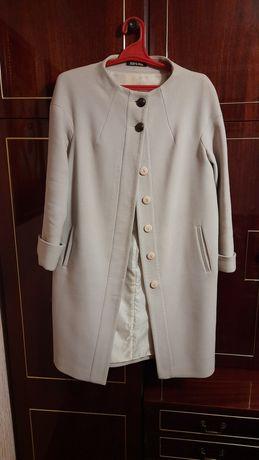 Жіноче пальто 48 розмір