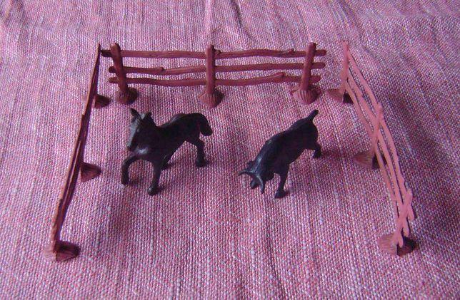Brinquedos Cerca + cavalo + touro