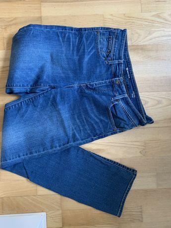Levis spodnie 28