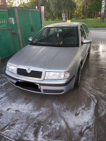 Skoda Octavia 2010r 1.6 bez gazu!