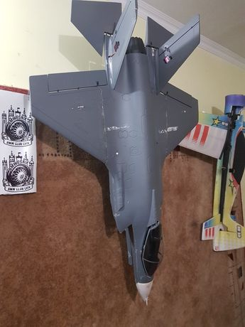 F35 самолет на радиоуправлени літак на пульті