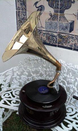 Grafonola com Campanola, gramofone