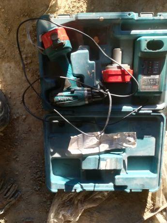 Wkrętarka akumulatorowa Makita 12V baterie ładowarka walizka
