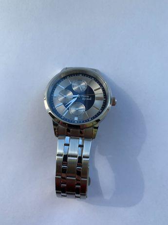 Продам кварцовий годинник недорого