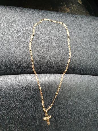 Złoty łańcuszek z krzyżykiem 6 gram 585