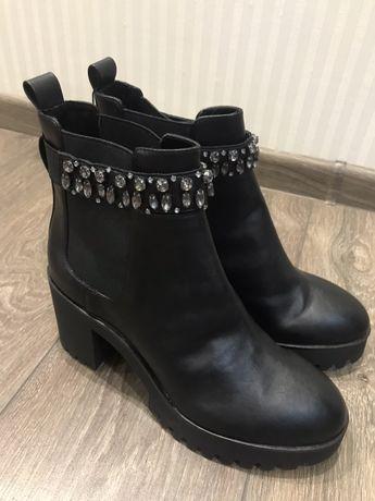 Ботинки Bershka новые