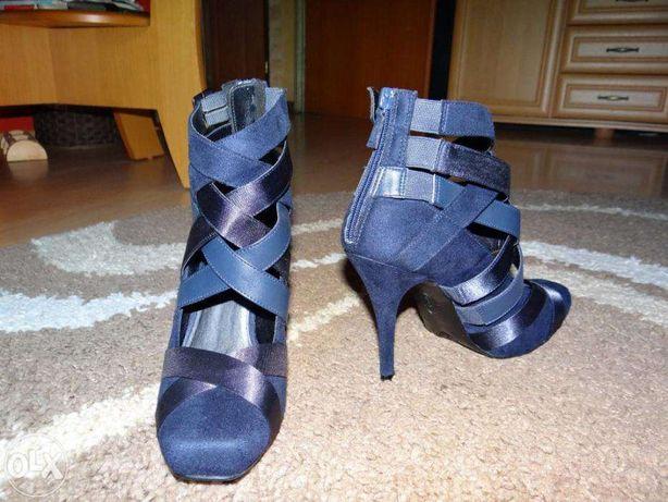 Eleganckie,nowe buty damskie na obcasie rozm.38