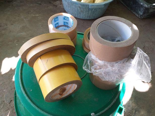 Vários rolos de fita adesiva PVC para isolar
