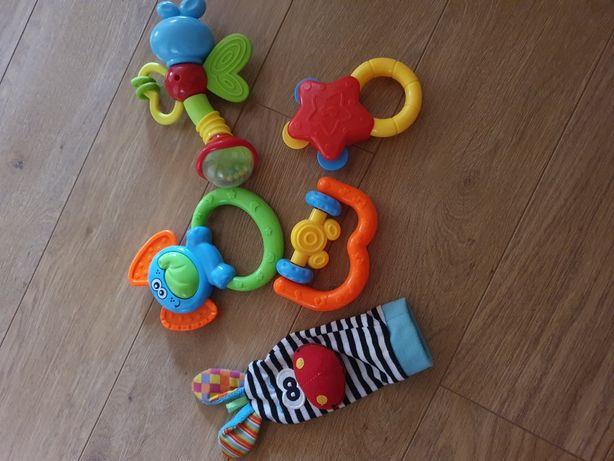 Іграшки пакетом для малюка