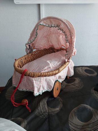 Cama carrinho bonecas antigo