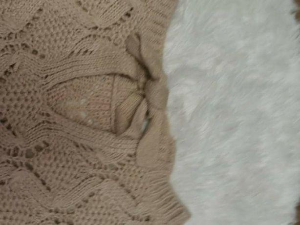 Sweterek beżowyy