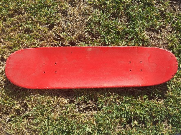 Tábua de skate vermelha