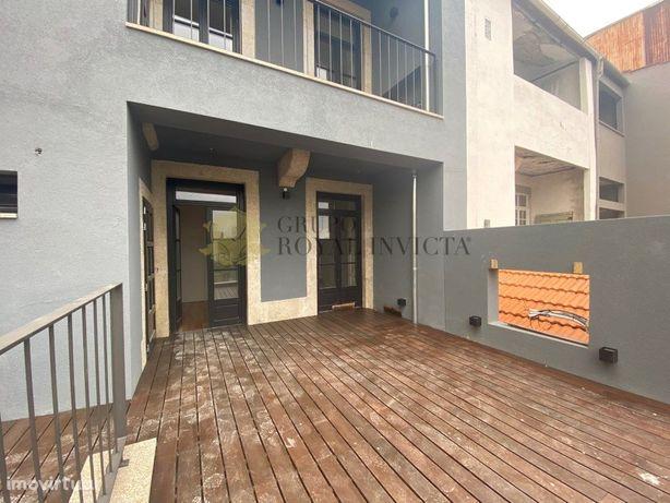 Apartamento T1 com terraço de 125 m2 na Rua da Firmeza, P...