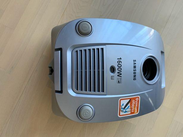 Пылесос Samsung SC4130 мощность 1600 вт