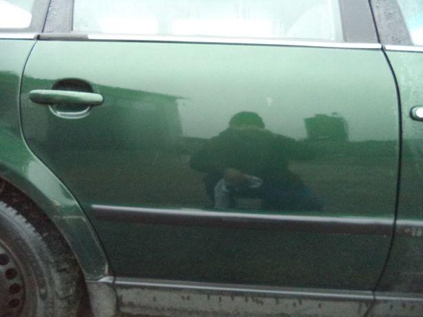 Drzwi prawe tył VW Passat B5 kombi kod lakieru LC6N