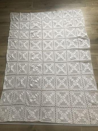 Toalha em crochet feita à mão