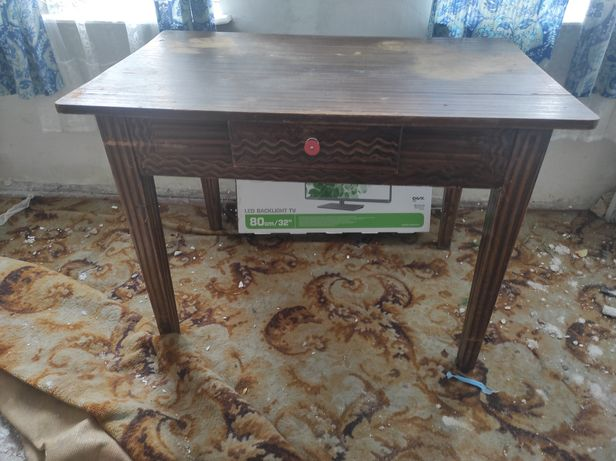 Stary stół zabytkowy PRL
