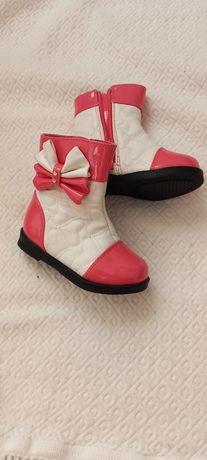Взуття для дівчинки 25 розміру
