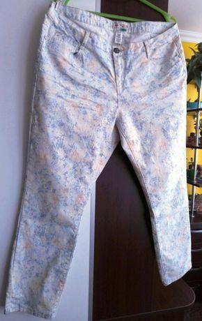 Летние джинсы в цветочек