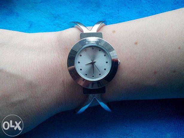 Наручные часы Yves Rocher