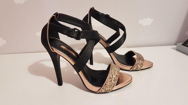Szpilki Doroty Perkins czarne sandałki 37