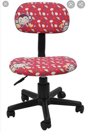 Nowe krzesło obrotowe dla dziecka