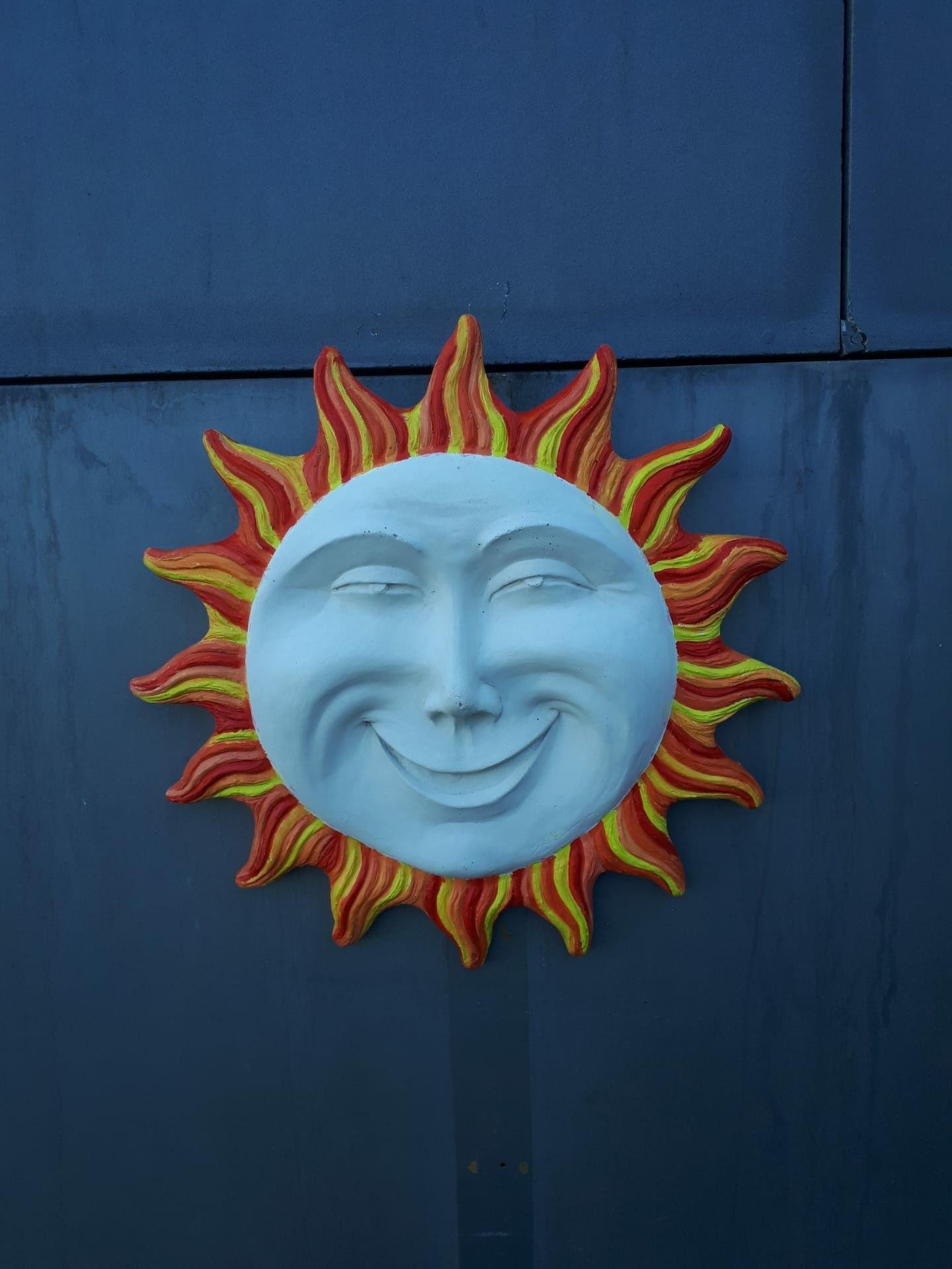 Vendo sol pintado à mão