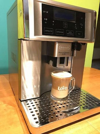 Ekspres do kawy Delonghi model PrimaDonna Avant ESAM 6700