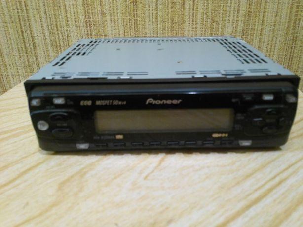 Продаётся автомагнитола Pioneer DEN-2500RB
