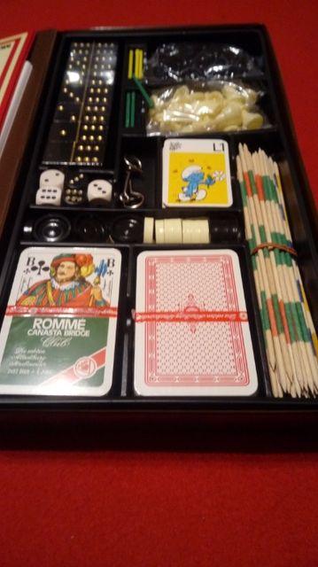 Gra planszowa,domino,bierki,szachy,warczaby,karty