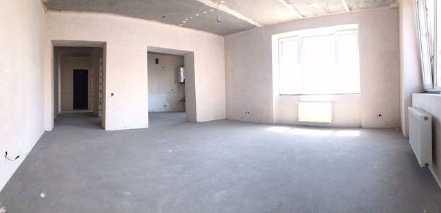 Продам 4-х кімнатну квартиру у тихому та затишному районі