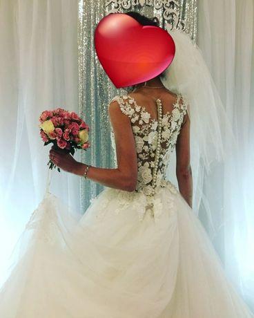 Весільне плаття(сукня)