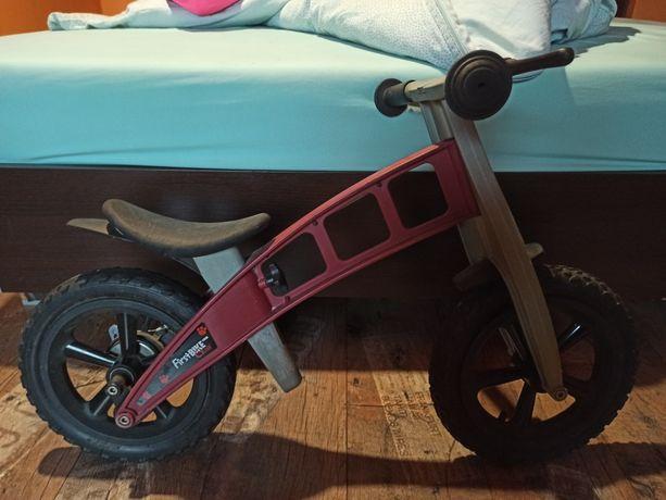Rowerek biegowy FirstBike Cross + kask uvex