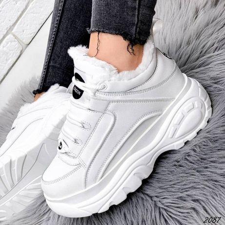 Кроссовки женские,зимние, на платформе , белые,