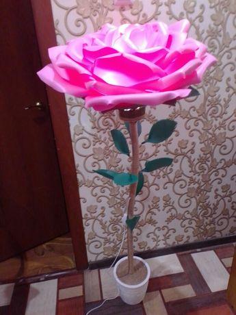 светильник,роза-торшер