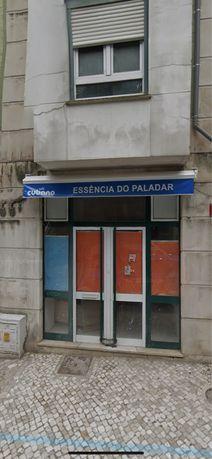 Loja na Rua de Camões (Parque)
