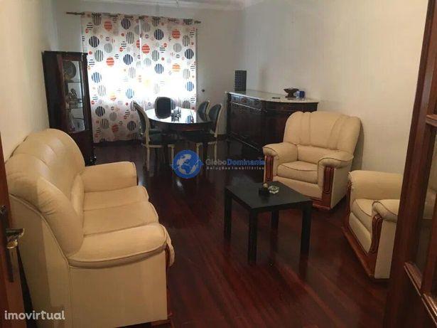 Apartamento T2 em Lamaçães