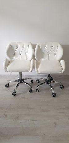 Fotele regulowane do salonu kosmetycznego. Stan bdb