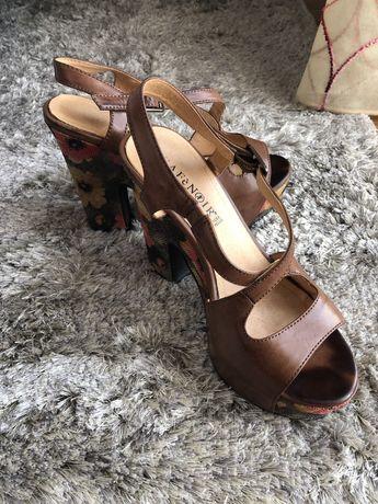 Sandálias da Marca Café Noir em pele (tamanho 36)