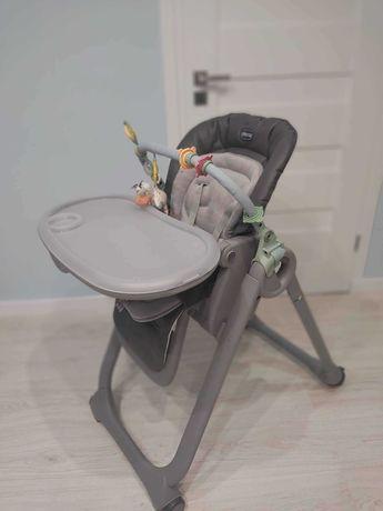 Krzesełko do karmienia dziecka.